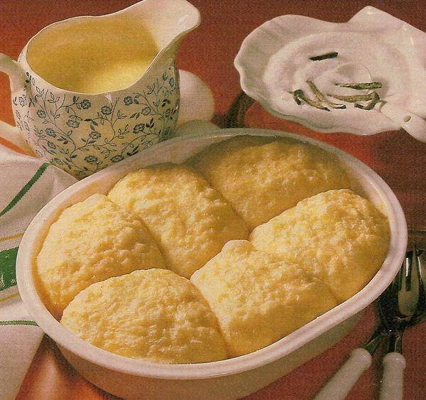 Клецки с ванильным соусом